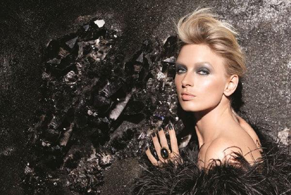 LauraMercier_DarkSpell_Model