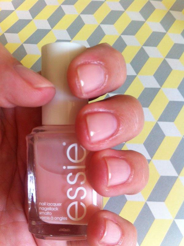 Essie_Nails
