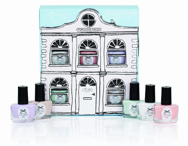 Dolls House Collection Closed With Product