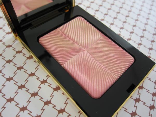 Zauberhafter Teint mit dem «Rosy Blush Palette Collector pour le Teint» (89 Franken)