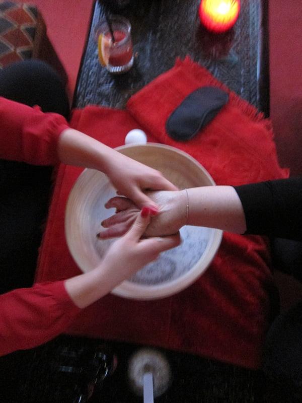 SmokyPoppy_Handmassage