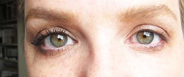 Bobbi Brown Eye Opening Mascara, Review by Hey Pretty Beauty Blog